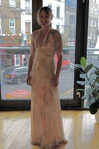 L/wedding dress