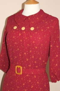 1930s afternoon dress in vintage rayon
