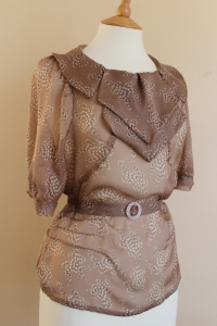 30s blouse revisited- beige printed silk